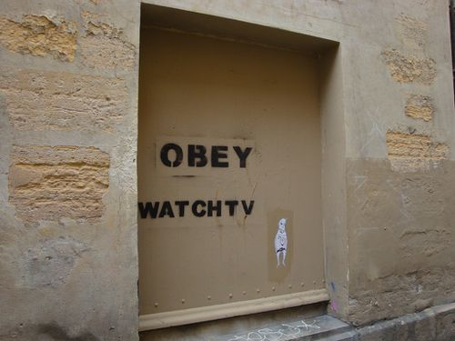 Beaubourg-street-art-obey-watch-Tv-3.jpg