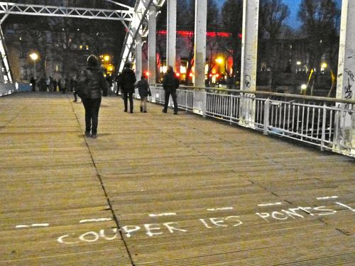 message street-art couper les ponts 8