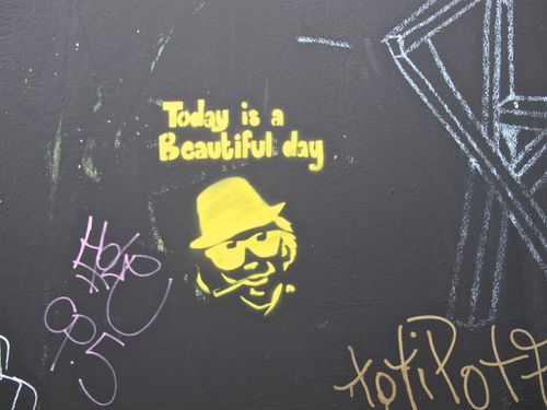 street-art beautiful day message