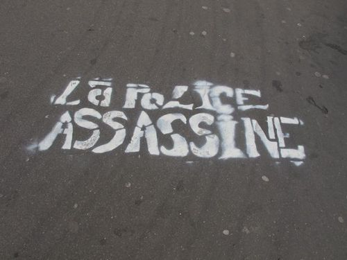 street-art-pochoir-police-assassine-.jpg