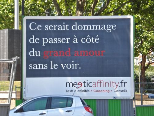affiche-meetic-grand-amour.jpg