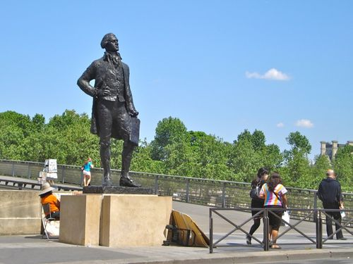 Thomas-Jefferson-statue-a-Paris.jpg