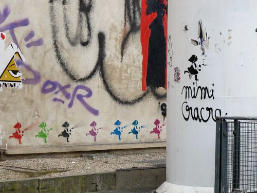Mimi Cracra street-art fontaine Stravinski