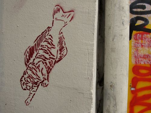 Street-art pochoir poisson-tigre
