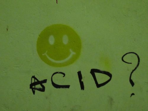 smiley-street-art-pochoir-acid-5245.jpg