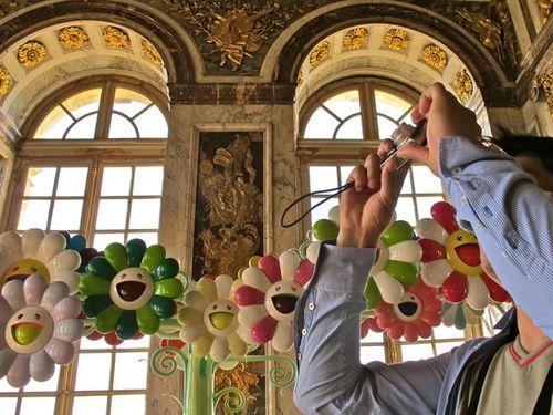 Murakami-Versailles-Superflat-Flowers-Salon-de-la-Paix-3.jpg
