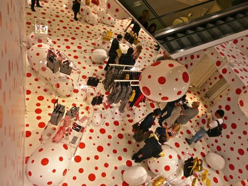 Kusama pop-up store Vuitton Printemps 3