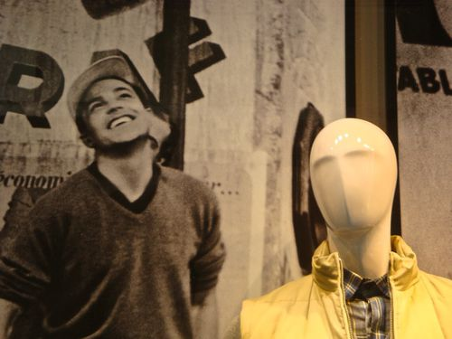 Printemps Brummell mannequin et star Gene Kelly