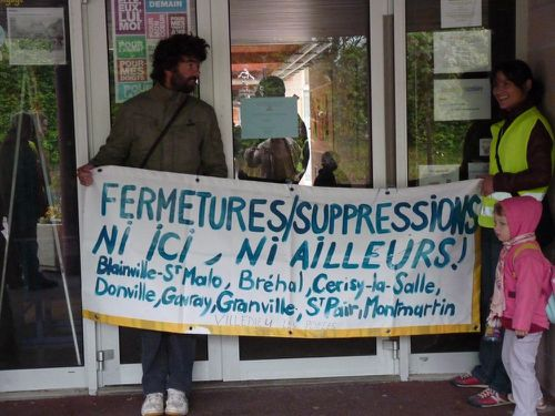 Blocage-ecole-11-juin-2012-Mammouth-A.jpg