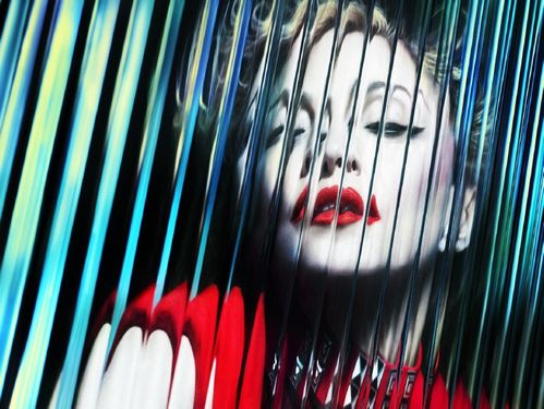 20120323-pictures-madonna-mert-alas-marcus-piggott-copie-2.jpg