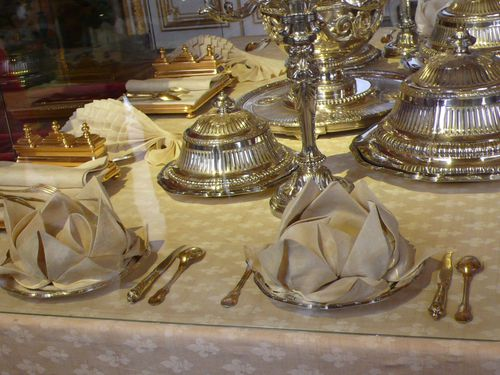 This is versailles dining with royalty - Dresser une table couvert ...
