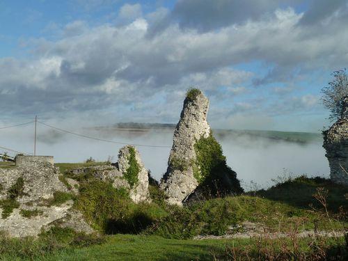 Chateau Gaillard dan le broullard
