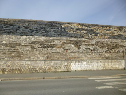 Mur-Caserne-Verneau-Angers, Face, Strates, 6