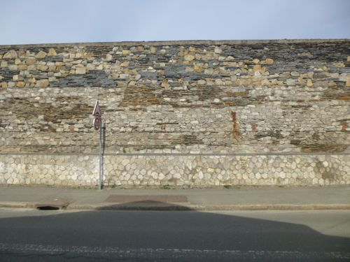 Mur-Caserne-Verneau-Angers, Face, Strates, 7
