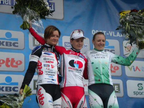 podium_600.jpg
