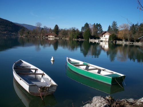 annecy-lac-boat.JPG