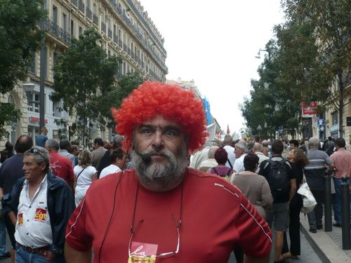 rouge-red-cgt-marseille.JPG