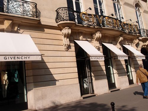 Boutique Givenchy