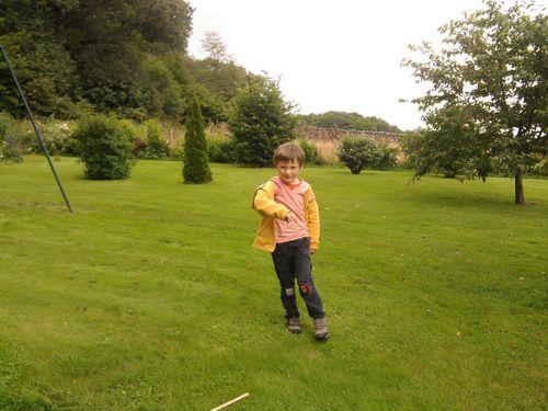 Victor au jardin