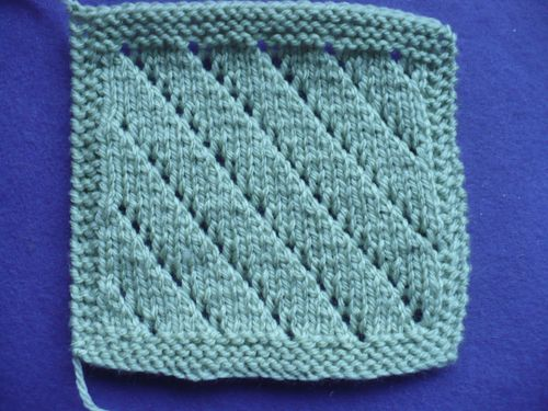 boucle or -carre n 001