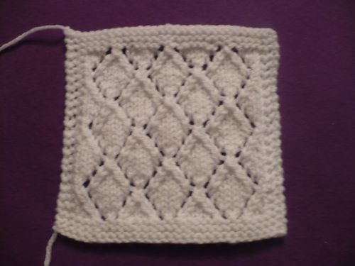 boucle or carre G 001