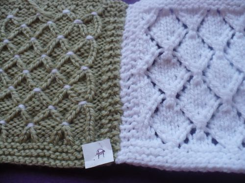 boucle or carre G 003