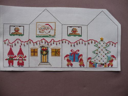 a-m mystere noel broderie fin 001