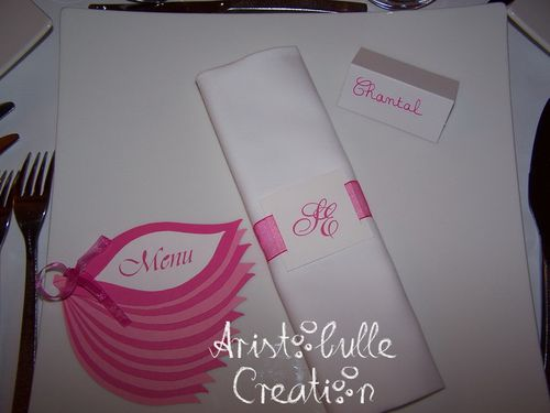 menu-fleur-rose-et-blanc---en-situation.jpg