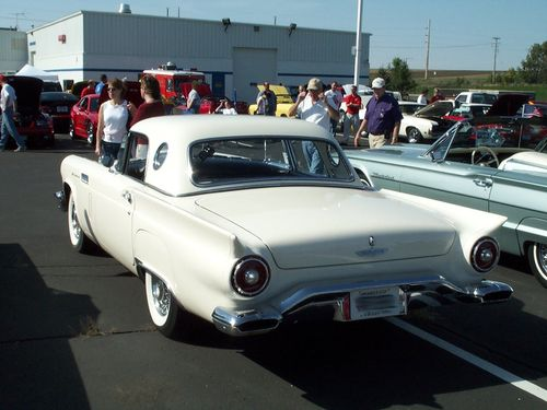 Ford Thunderbird 1957%20(1)