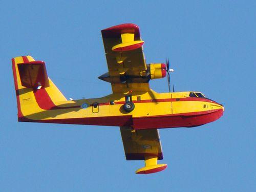 24075-GRECE-Canadair--CL-215.jpg
