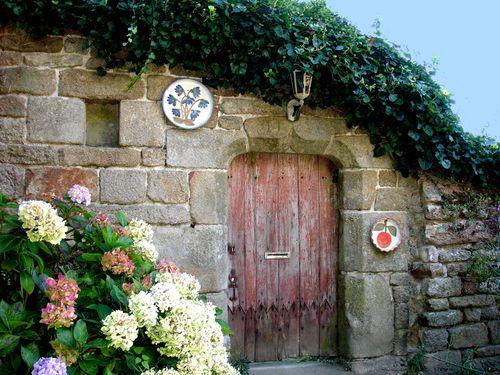 8682-LOCRONAN-Vieille-porte-.jpg
