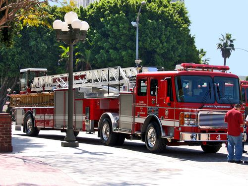 0522-LOS-ANGELES.-Fire-Car.jpg