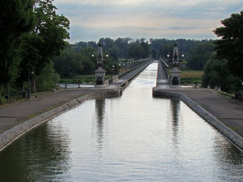 0984-BRIARE-Le-Pont-Canal.jpg