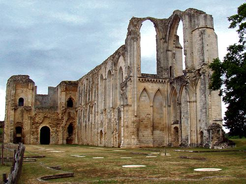 25081-MAILLEZAIS-Ruines-Cathedrale-St-Pierre.jpg