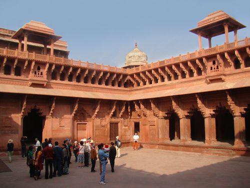 27792-AGRA-Fort-Rouge.jpg