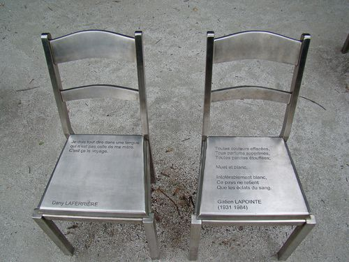 3702-MONTREAL-Chaises.jpg