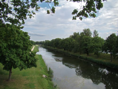0971-BRIARE-Vieux-canal-lateral.jpg
