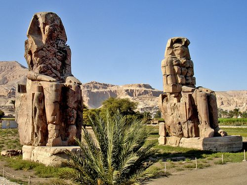 6698-THEBES-Colosses-Memnon.jpg