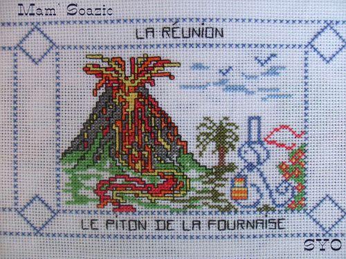 Carte-brodee-La-Reunion--La-Fournaise-nappe-2010-Mamigoz.JPG