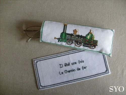 Etui-lunettes-Marque-pages-Trains-Mamigoz.jpg