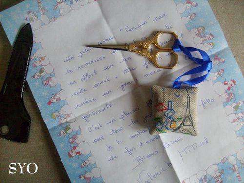 Cadeaux-Noel-2011-ciseaux-Titival-Mamigoz--1-.JPG