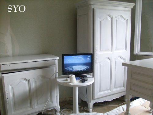 Application de la sous couche sur les meubles chez mamigoz for Meuble amigo papineau