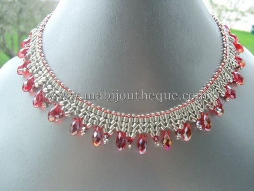 collier-gouttes-rouges.jpg