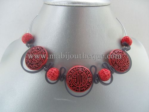 collier-pvc-cinabre-rouge.jpg
