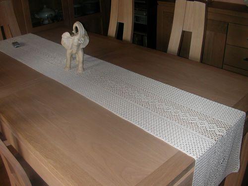 chemin de table 007