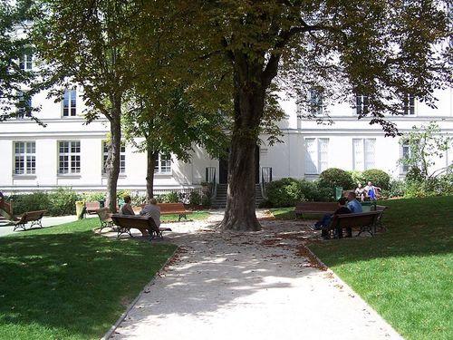 800px-Jardin du Carré Baudouin