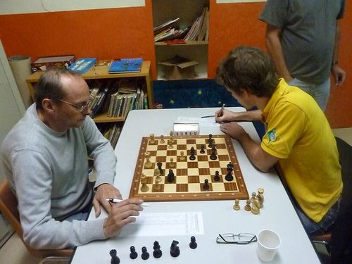 collier-auque-tim-err-chess.JPG