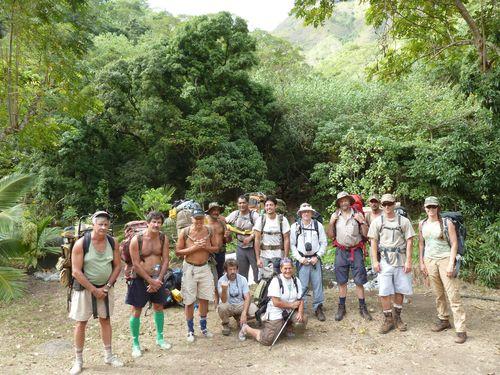 Tahiti-Punaruu-Maraetia-27-30 aout 2012-team departure