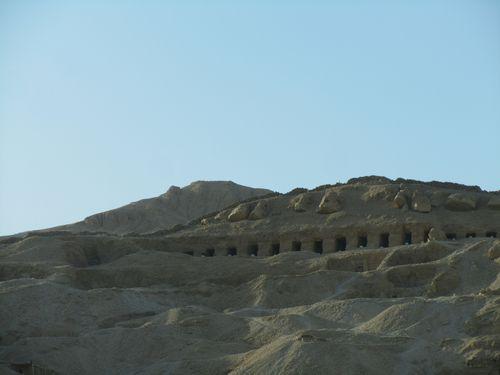 Les sépultures royales à Gourna