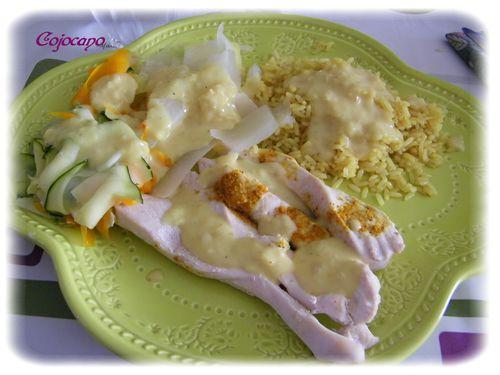 aiguilettes de poulet, tagliatelles de légumes, riz, sauce au curry 101_0793